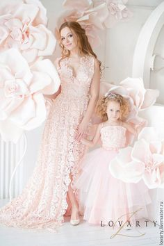 Mommy Daughter Dresses, Mom Daughter, Dresses Kids Girl, Flower Girl Dresses, Mother Daughter Pictures, Mother Daughter Fashion, Mom And Baby Outfits, Kids Outfits, Kids Dress Wear