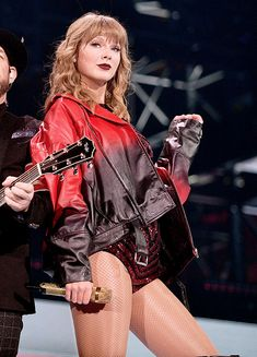 Taylor Swift Daily - I& feeling better than ever - Taylor Swift Outfits, Taylor Swift Hot, Taylor Swift Songs, Estilo Taylor Swift, Long Live Taylor Swift, Taylor Swift Pictures, Taylor Taylor, Taylor Swift Concert, Taylor Swift Wallpaper
