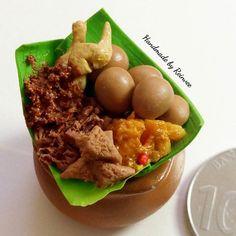 """Gudeg Kendil"" mini...Gudeg has special and unique taste of food #clay #miniature #clayminiature #claycraft #craft #handmade #tinyfood #foodminiature #clayfood #airdryclay #miniatur #miniaturestuffs #miniaturclay #miniaturmurah #jualminiatur #miniaturlucu #souvenirlucu #souvenirunik #kado #jualan #onlineshopmalang #pajangan #jualclay #mainan #hobiunik #customorder #reinveesproducts"
