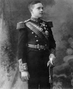 "SMF o El-Rei D. Manuel de Portugal e do Algarve, ""O Patriota"" Duque de Beja (1889-1932).Editorial: Real Lidador Portugal Autor: Rui Miguel"