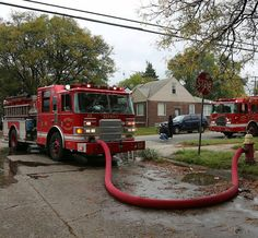FEATURED POST   @mcl212 -  Engine Co. 60 stretched on Alcoy. #detroitfire #boxalarm . CHECK OUT! http://ift.tt/2aftxS9 . Facebook- chiefmiller1 Snapchat- chief_miller Periscope -chief_miller Tumbr- chief-miller Twitter - chief_miller YouTube- chief miller  Use #chiefmiller in your post! .  #firetruck #firedepartment #fireman #firefighters #ems #kcco  #flashover #firefighting #paramedic #firehouse #straz #firedept  #feuerwehr #crossfit  #brandweer #pompier #medic #firerescue  #ambulance…