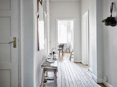 Post: Sofá nórdico con funda loose fit --> blog decoración nórdica, decoración salones, funda sofá loose fit, fundas sillon silla, fundas sofa lino, salón nórdico, sofá nordico, textiles loose fit