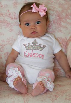 Baby Girl Outfit — Princess Outfit — Newborn Set — Take Me Home outfit — leg… Baby Girl Outfit — Princess Outfit — Newborn Set — Take Me Home outfit — leg… Little Babies, Cute Babies, Little Girls, Baby Girls, Beautiful Children, Beautiful Babies, Kind Photo, Cute Baby Clothes, Ugly Clothes