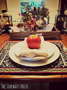 The Sideways House: Fall Table Scape