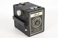 Vintage Macy Associates Flash 120 Camera