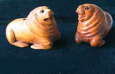 HAND Carved & Signed BOXWOOD WALRUS Bead 4128CP - Premium Bead