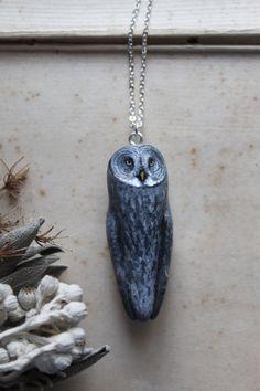Animal Totem Jewelry Owl Jewelry, I Love Jewelry, Jewelery, Jewelry Design, Jewelry Making, Paper Clay, Clay Art, Kawaii Crochet, Owl Charms