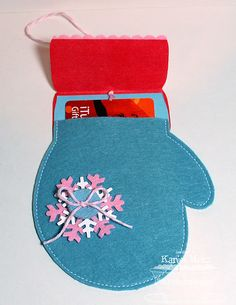 Neat idea for a Christmas gift card holder!