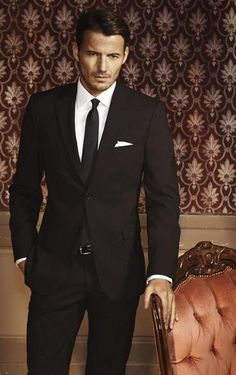 If I must do black suits. this is how I want it to look Mens Fashion Blog, Suit Fashion, Style Fashion, Fashion Black, Ladies Fashion, Fashion Beauty, Winter Fashion, Sharp Dressed Man, Well Dressed Men