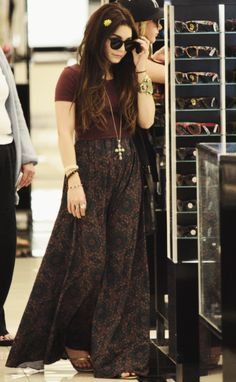 Vanessa Hudgens Dark Hippie Style. AYAME FASHION BLOG: http://caprichosdeayame.com/categoria/moda/