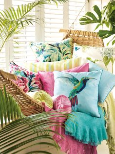 〚 Tropical collection Palm House by Laura Ashley 〛 ◾ Photos ◾Ideas◾ Design Interior Tropical, Tropical Home Decor, Tropical Design, Tropical Houses, Tropical Furniture, Tropical Prints, Tropical Colors, Décor Tropical, Tropical Outdoor Decor