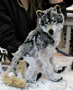 Pipe cleaners can be used to create interesting animal concepts. Wolves have bushy tails that can be used in a brush-y manner. Hence, pipe cleaners are perfect material for creating wolf statues.
