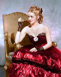 Bette Davis wearing the infamous red dress in JEZEBEL Color enhanced image by Hollywood Pinups from the b&w original. Golden Age Of Hollywood, Hollywood Stars, Classic Hollywood, Film Genres, Bette Davis, Rita Hayworth, Elizabeth Taylor, American Actress, Pin Up