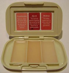 LoveTheSeventies: Coty Sweet Earth Solid Fragrance Compact I had this one ~Frankincense, Myrrh, and Misteltoe