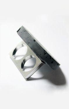 Fernanda Barba | double ring with concrete