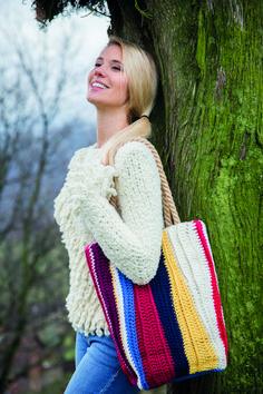 e8685c0bc Allison Hand Bag pattern in Filatura Di Crosa Zara Plus