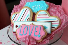 Spread the love this Valentine's Day! Custom Cookies, Cake Pops, Icing, Valentines Day, Cupcakes, Sweets, Urban, Creative, Desserts