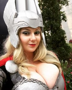 Having a blast at #Dragoncon this weekend! Here's yesterday's Lady Thor! #cosplay #cosplayer #thor #ladythor #goddess #cosplaygirl #blonde
