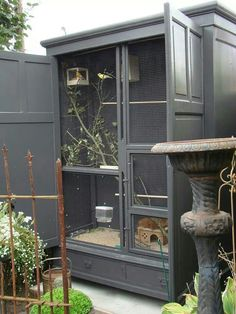 diy bird cage! how beautiful!! This could work for bunnies as well. (Outdoor Wood Thoughts) #parrotcageideas