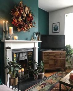 Feature Wall Living Room, Living Room Paint, Living Room Decor, Dining Room, Dark Green Living Room, Cottage Living Rooms, Green Home Decor, Charity Shop, Tv Unit
