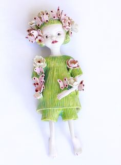 Addison - figurative ceramic sculpture, by Clairy Laurence