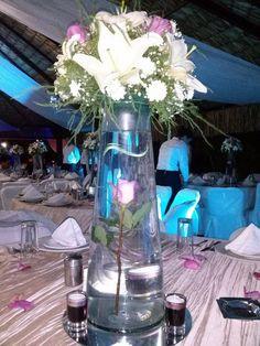 Centros de mesa :) diseñado para mi boda