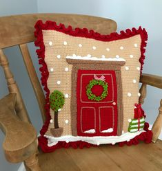 It's all looking a bit festive in the corner of my kitchen today 😄 Christmas cushions 1 and 2 are all finished, just a bit more pattern writing to finish Christmas Knitting Patterns, Crochet Patterns, Crochet Fall, Crochet Chain, Christmas Cushions, Aran Weight Yarn, Universal Yarn, Baby Scarf, Bobble Stitch