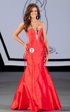 Miss Universe 2013 on November in Moscow Miss Usa 2013, Miss Universe 2013, Strapless Dress Formal, Formal Dresses, Pageant Gowns, Beauty Pageant, Moscow, Bridesmaid Dresses, Fancy