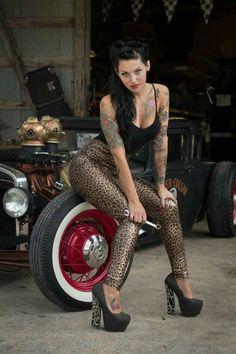 Pin up girls , Rockabilly and Vintage Vixens Style Rockabilly, Rockabilly Fashion, Retro Fashion, Rockabilly Girls, Hot Rods, Pin Up Girls, Rock Vintage, Vintage Stuff, Vintage