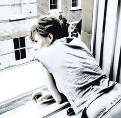 Mylene Farmer photographier par Nathalie Delépine pour la pochette du single a l'ombre (2013)