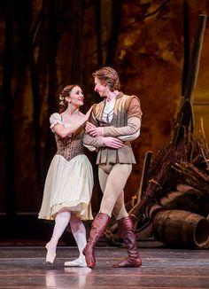 Marianela Nuñez as Giselle and Vadim Muntagirov as Albrecht in Act 1 of the Royal Ballet's Giselle. Photographer: Tristam Kenton