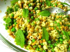 Stacey Snacks: Ditalini & Lentil Salad w/ Mint & Parsley Pesto