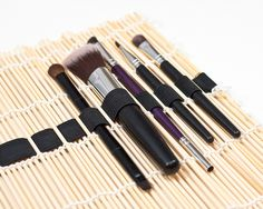 DIY: makeup brush organizer