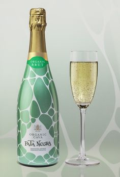 New design for the complete range of Pata Negra Cava.