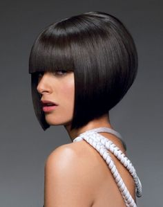 Bob haircuts for medium length hair looks flawless and refined on all hair types, but the most elegant looks, this trendy hairstyle in contrast performance. Bob Hairstyles For Thick, Wedge Hairstyles, Short Bob Haircuts, Trendy Hairstyles, Medium Hair Styles, Short Hair Styles, Bob Haircut With Bangs, Bob Bangs, Trending Haircuts