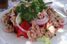 Δροσερή τονοσαλάτα !!! ~ ΜΑΓΕΙΡΙΚΗ ΚΑΙ ΣΥΝΤΑΓΕΣ Salads, Tacos, Mexican, Beef, Chicken, Ethnic Recipes, Food, Drinks, Meat