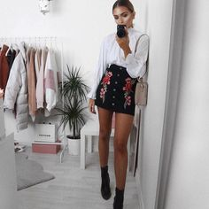 All the florals in this @rebelliousfashion skirt use code LISSY20