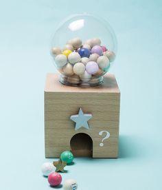 【楽天市場】new!kiko+ gatchagatcha bingo(がちゃがちゃ、ガチャガチャ、木のおもちゃ)ビンゴゲーム 出産祝い誕生日 1歳 2歳 3歳 男 女【RCP】【gg】:FAVOR(インテリア雑貨&ギフト)