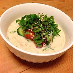 豆乳と麺つゆで、汁を作り、うちにある野菜と茹でたそうめんを投入! 美味しい(^。^) - 39件のもぐもぐ - 飲んだ後のそうめん by nishimakigohan