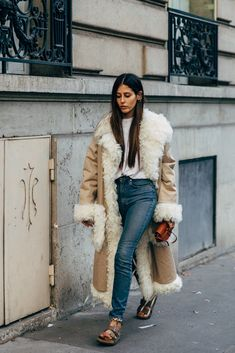 Ambrosio Gives Us a Reason To Fall In Love With Birkenstocks (Le Fashion) Gilda Ambrosio Gives Us a Reason To Fall In Love With BirkenstocksFalling Falling may refer to: Street Style Looks, Looks Style, Gilda Ambrosio, Fashion Tips For Women, Womens Fashion, Style Personnel, Tribute, Birkenstocks, Shearling Coat