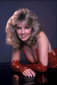 Heather Locklear from - When youre a flight attendant coming with baggage is a good thing! Beautiful Celebrities, Beautiful Actresses, Gorgeous Women, Classic Actresses, Hollywood Actresses, Actrices Blondes, Ann Margret Photos, Heather Locklear, Up Girl