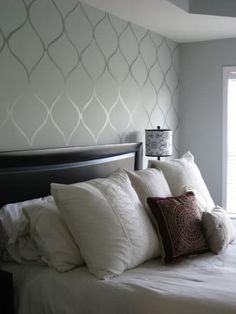 Accent Wall Ideas With DIY Faux Wallpaper Using Matte And Glossy Paint A Stencil
