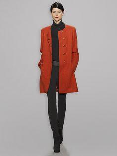 I'm loving the longer coat and the skinny jeans - sleek.
