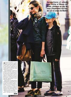 On Saturday, Queen Letizia of Spain and her two daughters Princesses Leonor and Sofia were photographed during they were shopping in Madrid. The Spanish Royal Family visited Prado Museum and then shopped. For Leonore that was a shopping chance because she celebrated her 11th birthday last week. King Felipe was absent because of his South Africa journey.