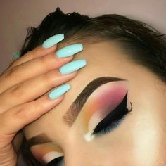 Fall Makeup is about the vibrant natural color. Here are the best Eye makeup for Fall ideas. These Fall Eyeshadow looks are perfect for casual or party wear Makeup Goals, Makeup Inspo, Makeup Art, Makeup Inspiration, Makeup Tips, Beauty Makeup, Makeup Ideas, Makeup Style, Beauty Tips