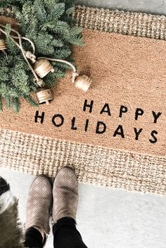 Neutral Christmas Decor round up – 2019 Modern Farmhouse Christmas. Christmas Door, White Christmas, Christmas Wreaths, Christmas Decorations, Christmas Holiday, Christmas Bedroom, Christmas Ideas, Front Door Mats, Front Door Decor