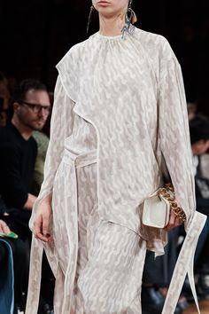 Stella McCartney Fall 2020 Ready-to-Wear Fashion Show | Vogue Stella Mccartney, Vogue Paris, Glamour, Models, Mannequins, Chef Jackets, Ready To Wear, Fashion Show, Menswear