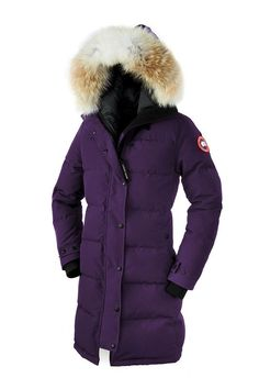 Canada Goose Ladies' Shelburne Parka - Navy With a thigh-length design and incredible insulation, the Ladies' Shelburne Parka is an impressive piece of outerwear which will keep you warm and stylish throughout the coldest winter. The parka has a resili Canada Goose Herren, Canada Goose Women, Canada Goose Jackets, Parka Canada, Canada Canada, Toronto Canada, Military Parka, Nordstrom, Makeup Tips