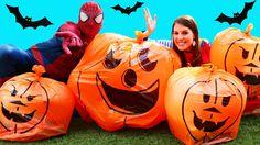GIANT SURPRISE TOYS PUMPKINS! Surprise Balloons, Disney Blind Bags, Hall...