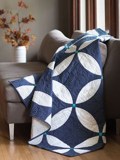 Aptly named, this Midnight Blue quilt is a fat-quarter friendly mock double wedding ring quilt. Simple and elegant!